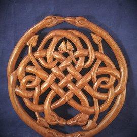 OMEN Celtic Dragon Knot Wall Hanging in Mahogany
