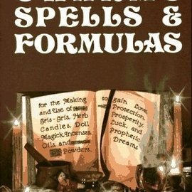 Llewellyn Worldwide Charms, Spells, and Formulas: For the Making and Use of Gris Gris Bags, Herb Candles, Doll Magic, Incenses, Oils, and Powders