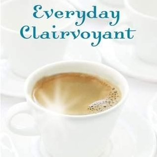 Llewellyn Worldwide Everyday Clairvoyant:Extraordinary Answers to Finding Love, Destiny and Balance in Your Life