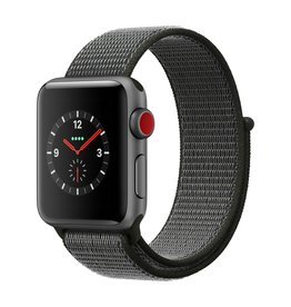Apple Watch series 3 - 38MM - Space Grey Aluminium - Dark Olive Sport Loop