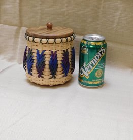 Woven Designs Shaded Feathers Jewelry Basket Pattern