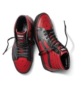Vans VANS Classic Slip On MARVEL Deadpool  (VN0A38GEUBJ)