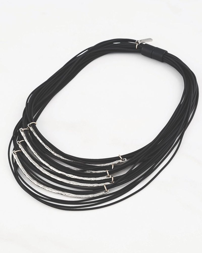 ANNE MARIE CHAGNON CHAIN ​​NECKLACE VISOKE LEATHER AND SILVER