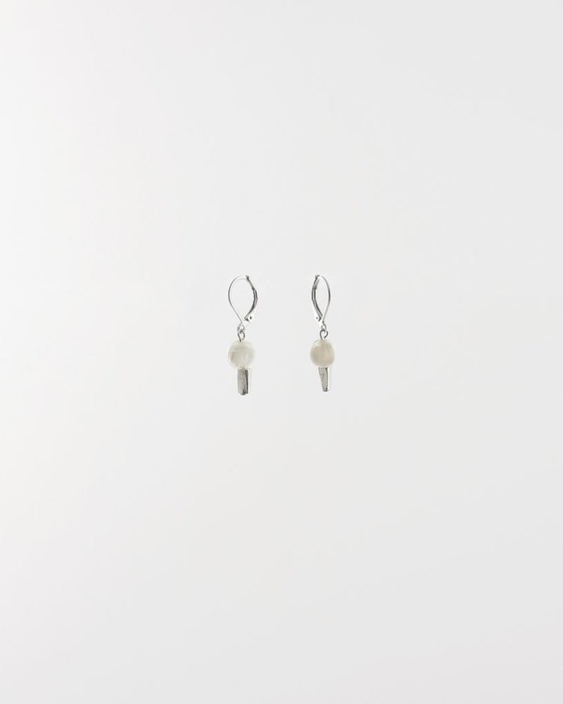 ANNE MARIE CHAGNON ALIZE SNOW EARRING
