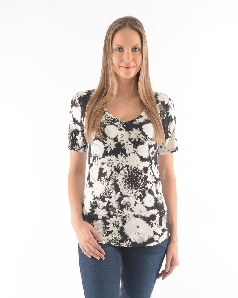 BECXY B. T-SHIRT ROSY SHORT SLEEVES ALL OVER PRINTED/BLANC-NOIR