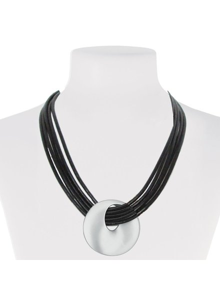 CARACOL SHORT COLLAR LEATHER AND CIRCLE OF METAL COLOR SILVER
