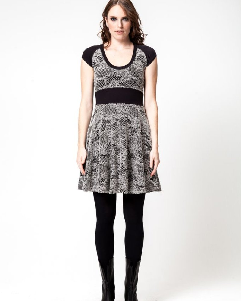 DINH BA ROBE HAO EMBROIDERY KNIT