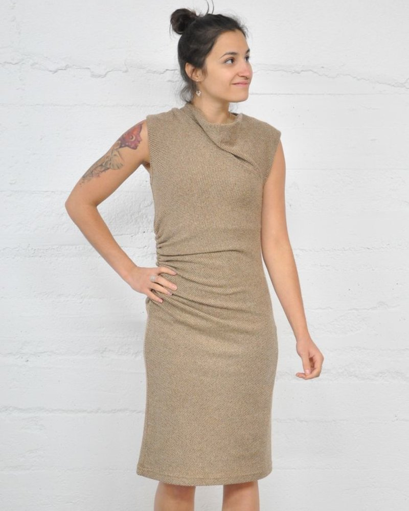 NINETY-EIGHT ROBE SIDE RUSHED KNIT DRESS CARAMEL