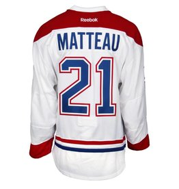 Club De Hockey CHANDAIL PORTÉ 2015-2016 #21 STEFAN MATTEAU SÉRIE 1 À L'ÉTRANGER (CHANDAIL PRÉPARÉ)