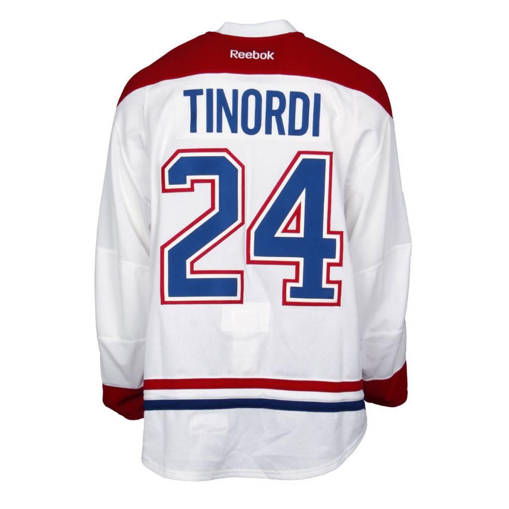 Club De Hockey CHANDAIL PORTÉ 2015-2016 #24 JARRED TINORDI SÉRIE 2 À L'ÉTRANGER (CHANDAIL PRÉPARÉ)