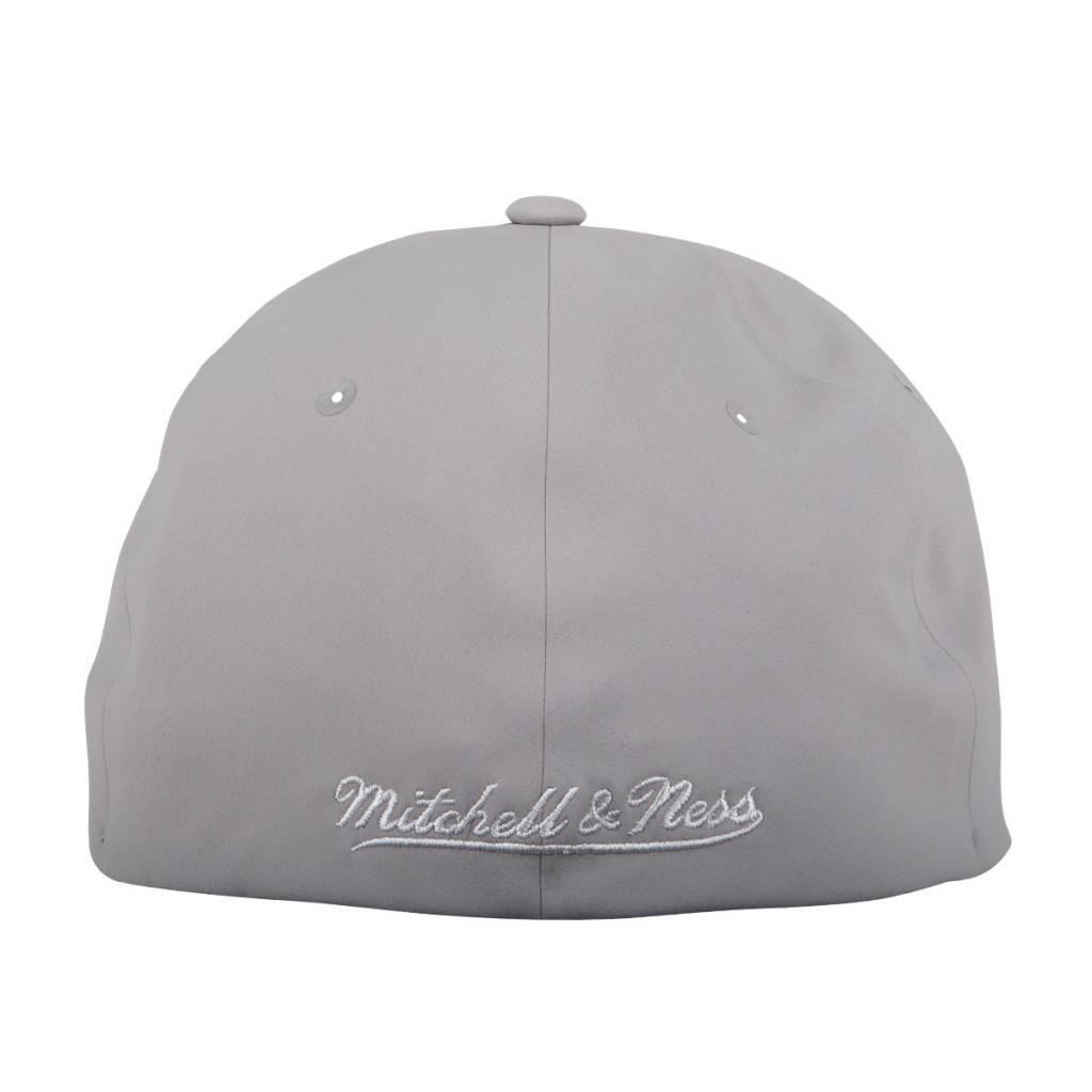 Mitchell & Ness DELTA HAT