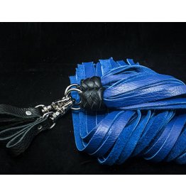 Loop Cowhide Flogger Set