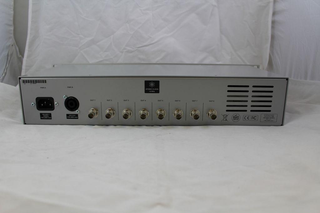 Consignment Antelope CM-Isochrone 10M Rubidium atomic clock.  Including IEC cable.