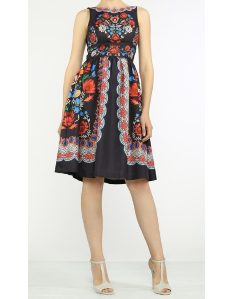PIECE PRINT SLEEVELESS FULL DRESS