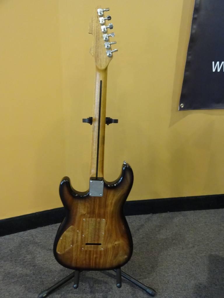 Attila Attila Custom Classic S Style 2017 w/ TKL Hardshell Case