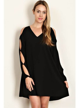 Love Richie SOLID WOVEN V-NECK DRESS