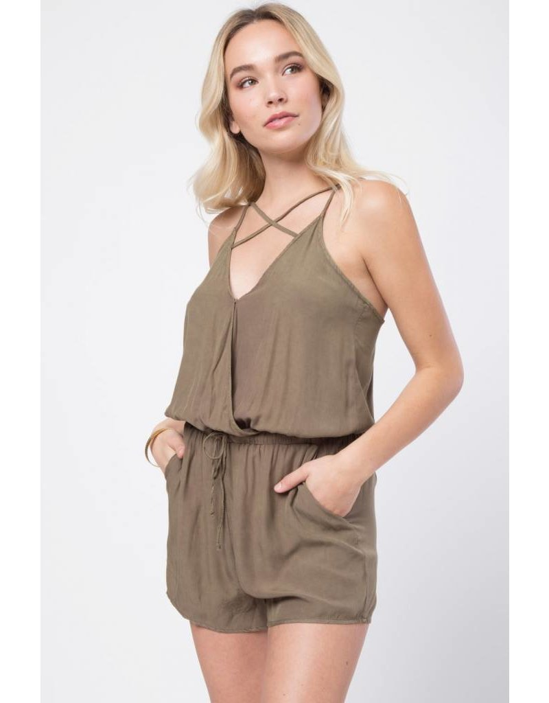 Loverichie Loveriche Front Cross Strap Romper