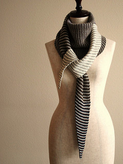 Baktus Scarf by Knittimo