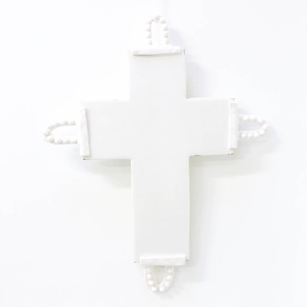 Entouquet White Cross with 4 Clay Dot Hoops - Large