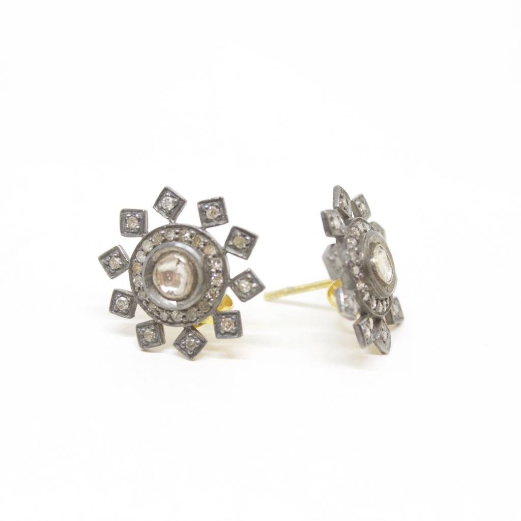 Himatsingka Lucie Starburst Small Stud Diamond Earrings