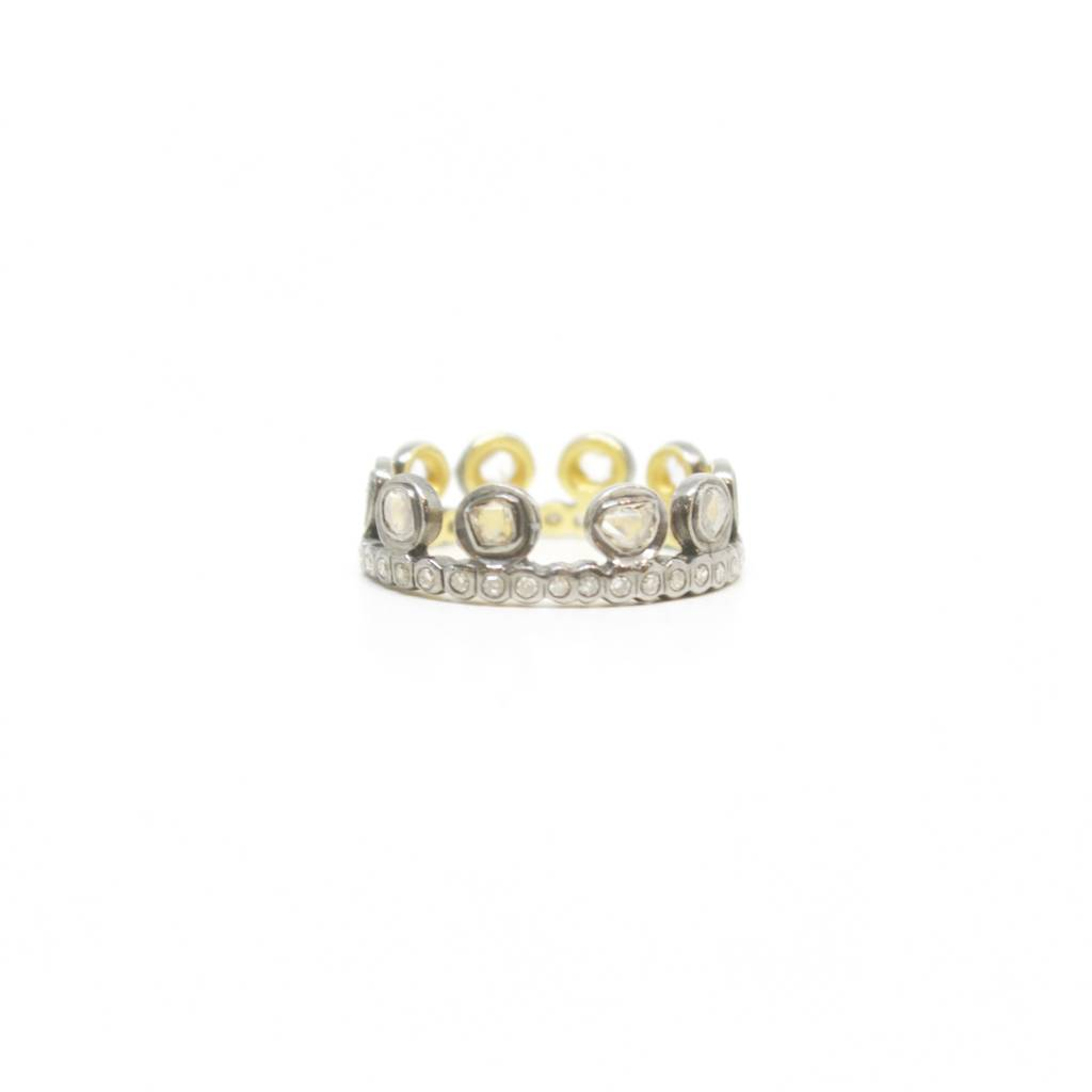 Himatsingka Lucie Dotted Crown Ring