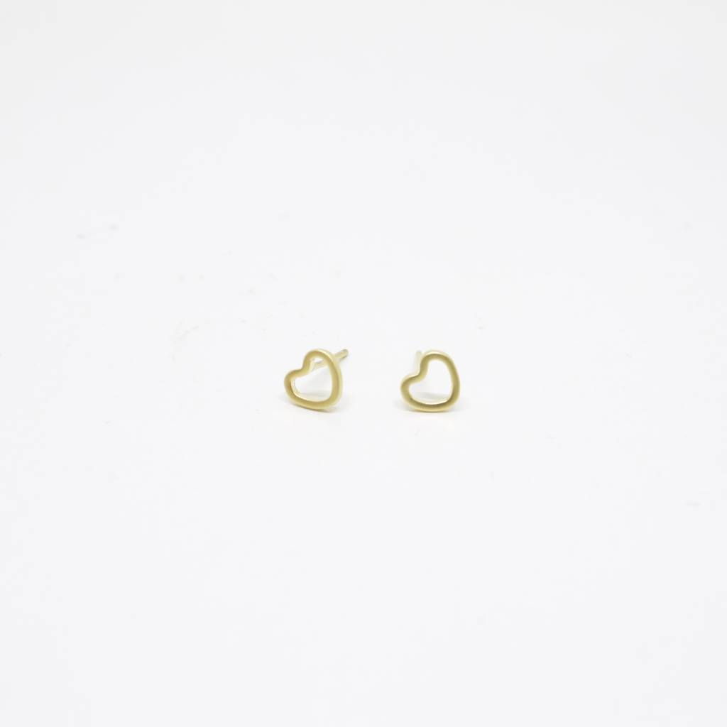 Standout Boutique Outline Stud Earrings - Heart