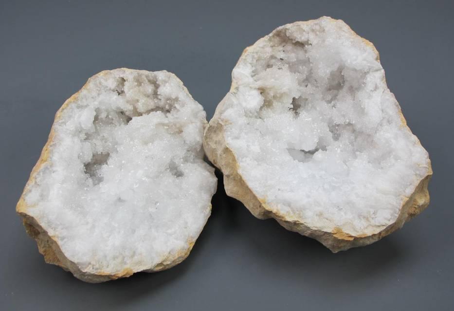 Quartz Split Geode - Medium