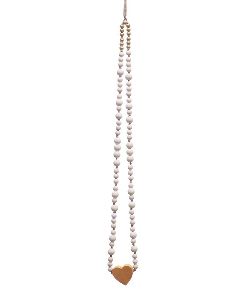 Entouquet Necklace Hanging with Rust Heart