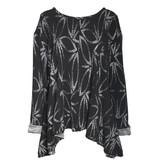 Dress To Kill Bamboo Print Pull