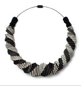 6Shadows Necklace Black/White