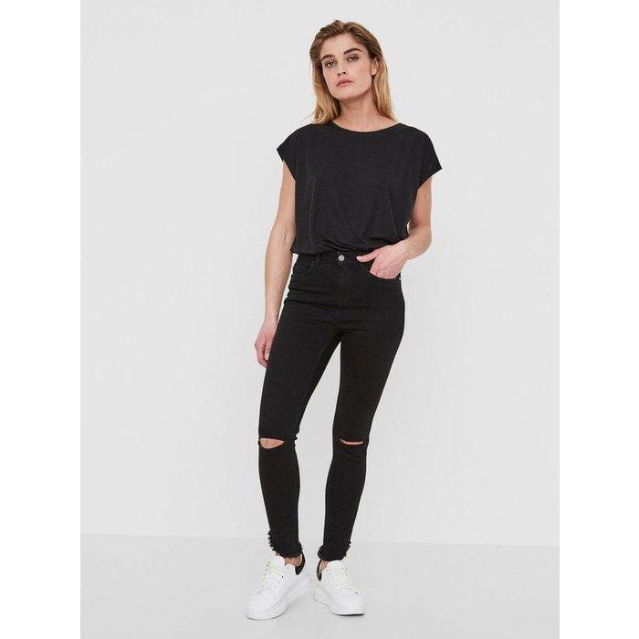 Lexi Uneven Ankle Jeans