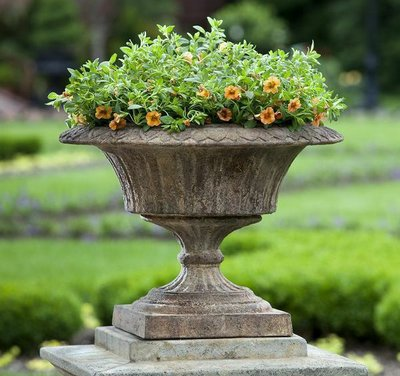 Cast Stone Smithsonian Fluted Valentine Urn