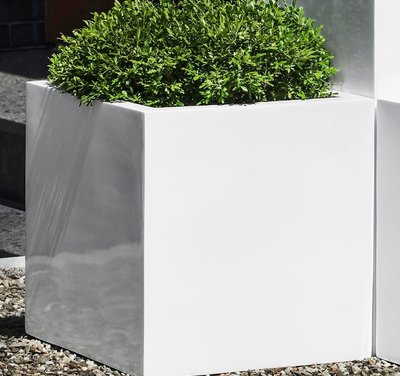Fiberglass Glossy White Farnley Planter Set