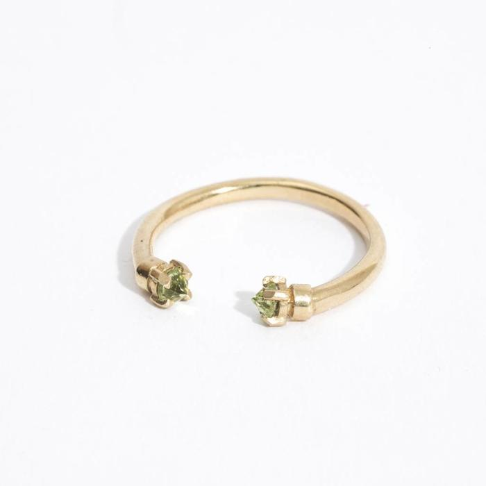 Aesa Mirror Facing Ring - Peridot