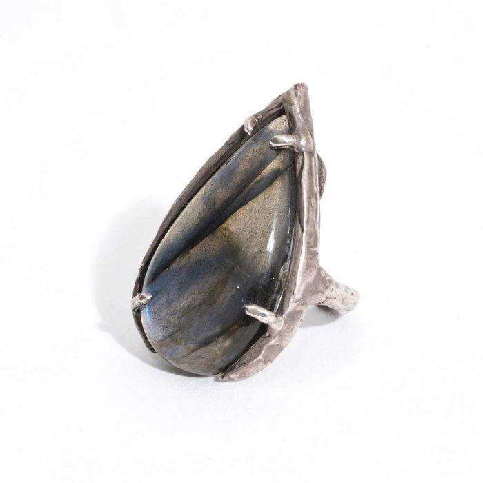Unearthen Viso Ring Labradorite/Sterling