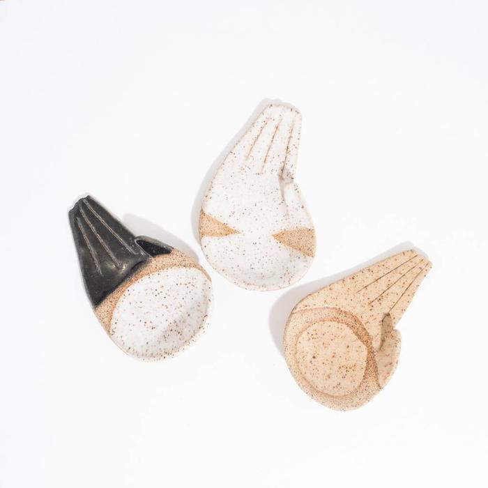 Ivy Ceramic Hands