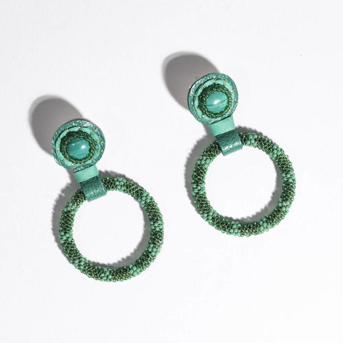 Robin Mollicone Small Beaded Hoop Earrings - Malachite