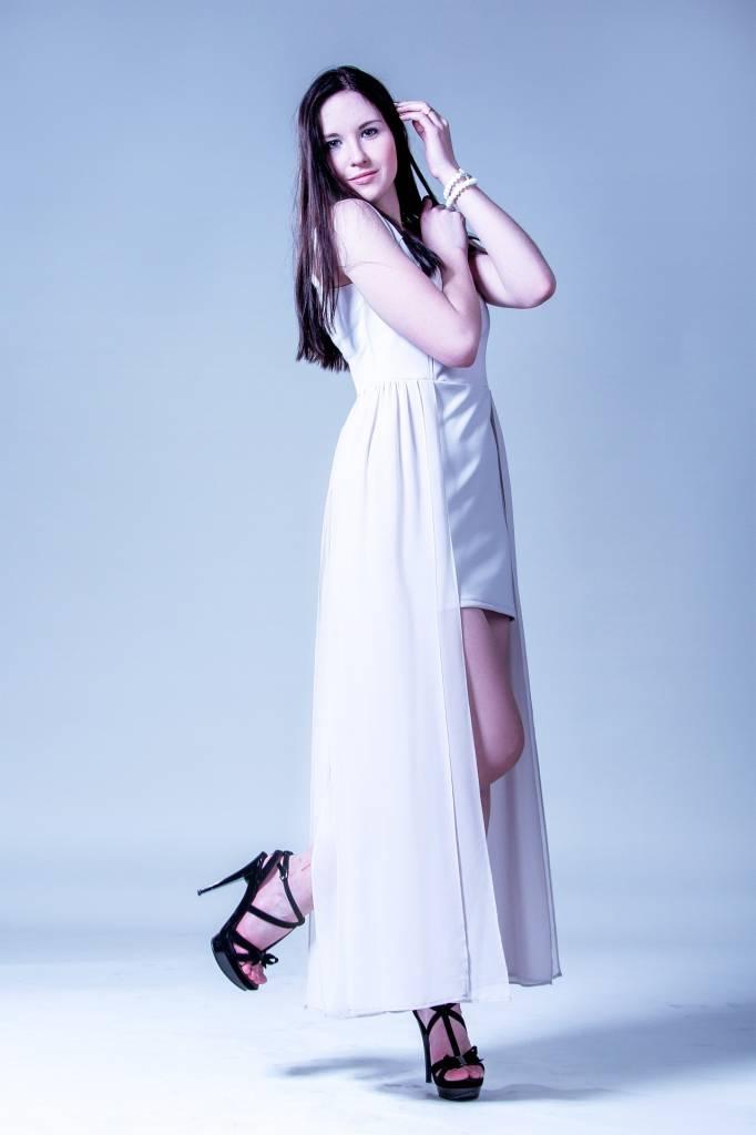 Robe white