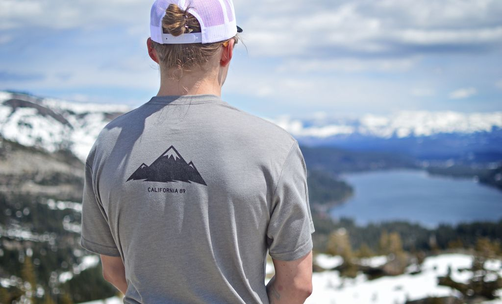 Men's Tshirt Men's Short Sleeve Mountains are Calling