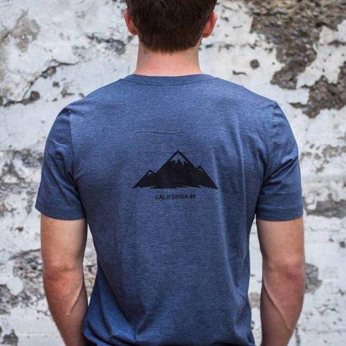 Men's shirts Men's Short Sleeve T-Shirt Shield w/ Mountain