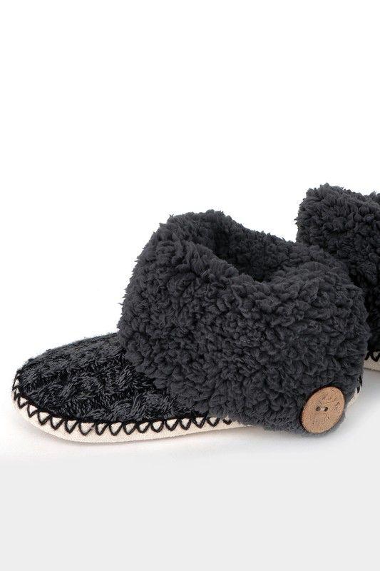 California 89 Urbanista Coconut Button Slipper Socks