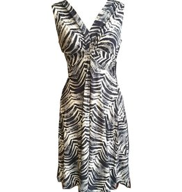 Dunia Vera Black & White Sleeveless Dress