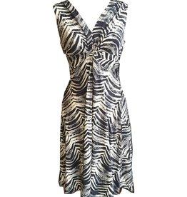 Dunia Vera Black & White Sleeveless Dress