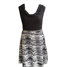 Dunia Vera Black & White Flare Skirt