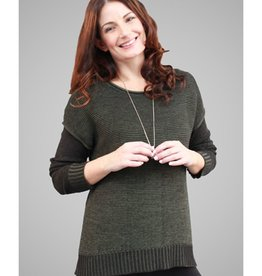 G9C Links Mixed Color Short Body Sweater