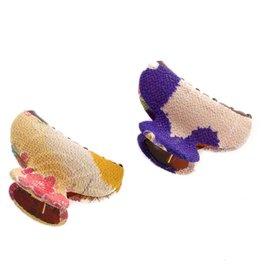 Annie Loto Studios Kimono Squeeze Clip - Small