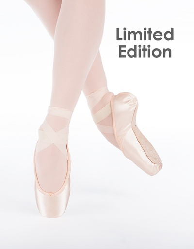 W/S Pointe Shoe Spotlight Standard with Short Vamp