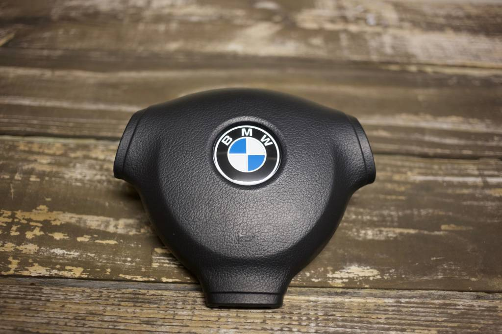 BMW Alcantara M-Tech II Steering Wheel - 370mm