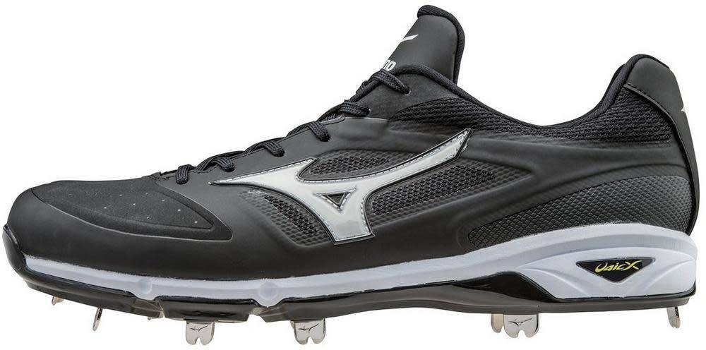 do mizuno cleats run small Sale,up to