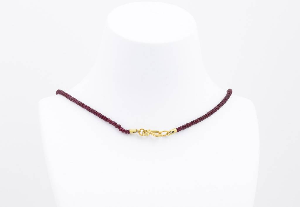 Eli Halili SAPPHIRE / RUBY + CENTERED 22K GOLD NECKLACE